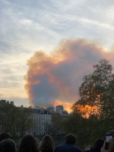 Notre dame smoke in the Marais